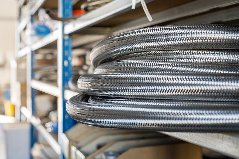 Tuyaux EPDM tressés inox pour eau chaude (sanitaire, plomberie, régulation de température...)