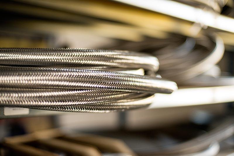 Tuyaux PTFE tressés inox haute pression, haute température, produits chimiques