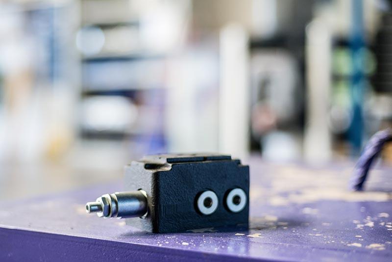 Embase CETOP 3 avec limiteur de pression