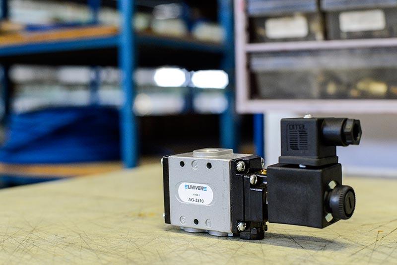 Electrovanne pneumatique pour le vide à commande électrique