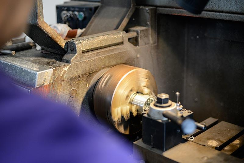 Usinage, tournage dans notre atelier de Montpellier / Saint-Jean de Védas