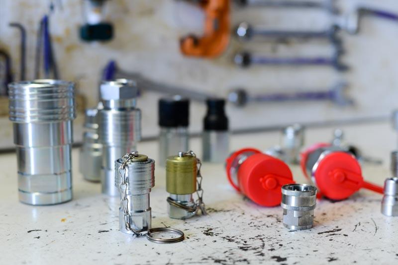 Divers coupleur hydrauliques dans notre magasin de Saint-Jean de Védas / Montpellier