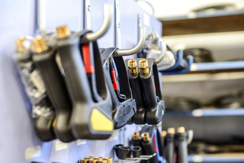Large choix de poignées et adaptation toutes marques dans notre magasin