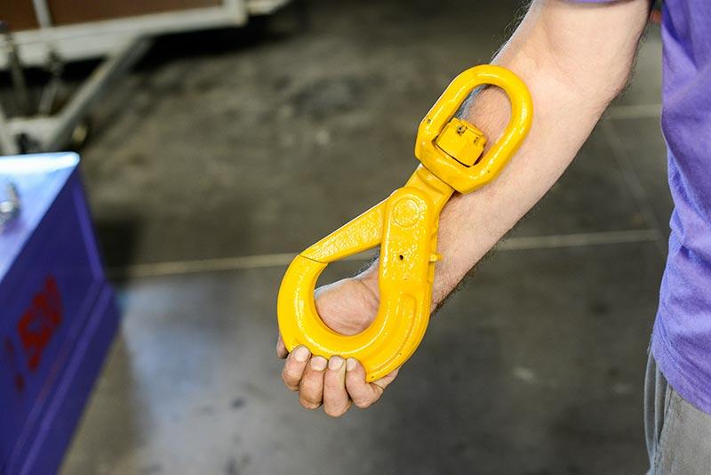 Crochet de sécurité à émerillon